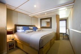 zam-voyager bedroom