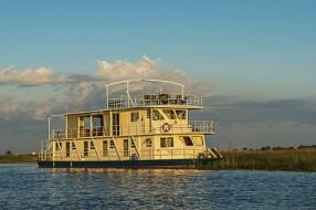 zambezi-voyager-houseboat