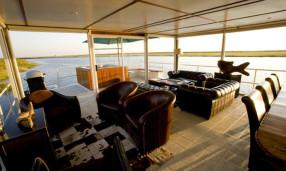 zambezi-voyager interior
